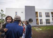 Ambasador Evropske unije uručio romskim porodicama ključeve za korišćenje 12 socijalnih stanova